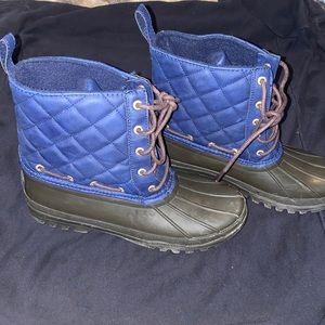 Women aterproof Sperry snow boots!